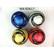 Мяч футбольный 22-23 см, 4 цвета в ассортименте.