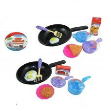 """Набор посуды для кухник """"Помогаю Маме"""", с продуктами, 8 предметов (ABtoys. Помогаю Маме, PT-00315)"""