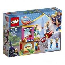 Конструктор LEGO SUPER HERO GIRLS Харли Квинн™ спешит на помощь (LEGO, 41231-L)