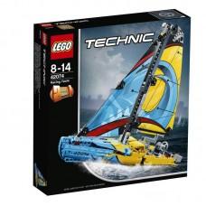 Конструктор LEGO TECHNIC Гоночная яхта