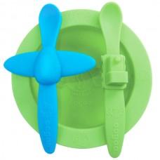 Набор посуды: зеленая тарелки, голубая ложка в форме самолета, зеленая ложка в форме поезда (OOGAA, 815пц)