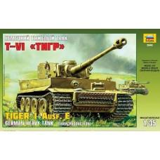 Модель сборная Немецкий тяжелый танк Т-VI Тигр 1/35